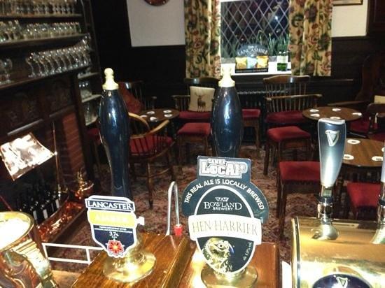 Ye Horns Inn:                                     bar