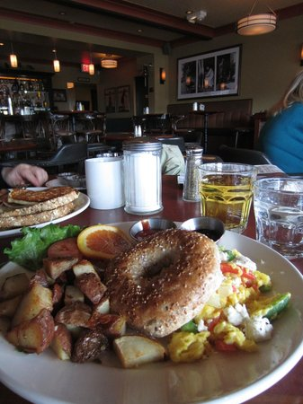 Salt Spring Inn Restaurant:                   Great brunch, nice setting