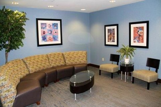 Holiday Inn Express Hotel & Suites Largo-Clearwater: lobby