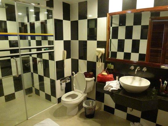 Hotel Somadevi Angkor Resort & Spa:                   Il bagno