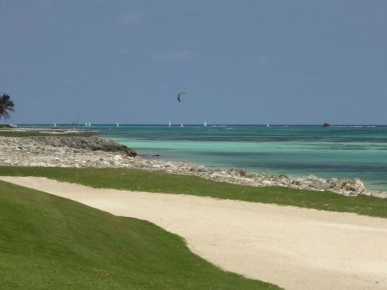 La Cana Golf Course:                   Hole 9 - La Cana