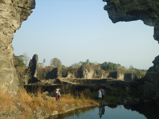 Yogalife Homestay:                   Visit to the Quarry