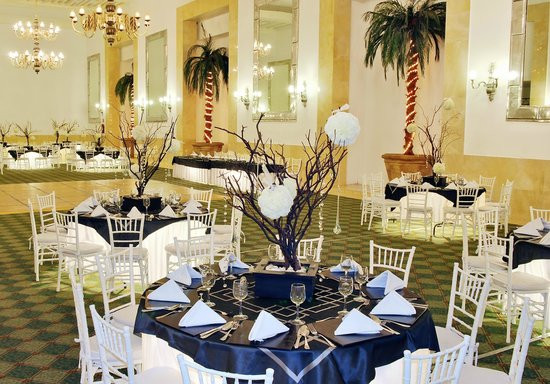 emporio acapulco hotel saln espejos