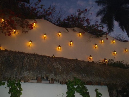 Hotel Playa Fiesta:                   Beautiful Candle Wall