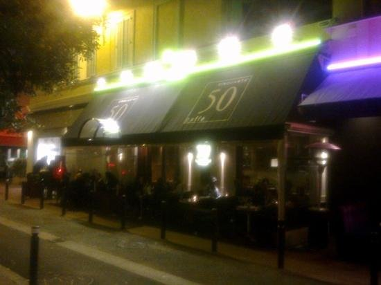 cinquanta caffe :                   cinquantaine caffe by night, So chic