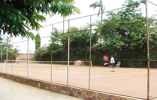 Karera Beach Hotel:                                                       tennis