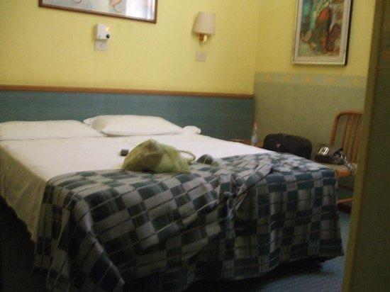 Hotel Castelfidardo :                   Letto