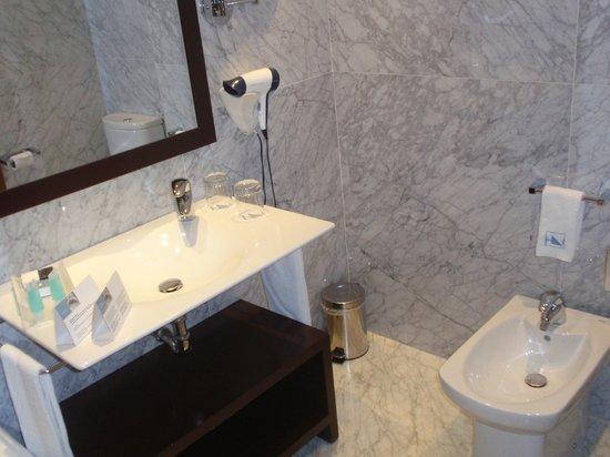 Eurostars Das Artes Hotel: Baño