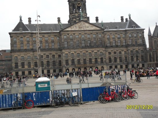 Hotel Nadia:                   The Royal Palace in Dam Square