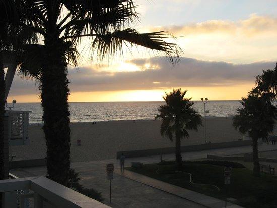 Beach House Hotel Hermosa Beach:                   View from Ocean View Room