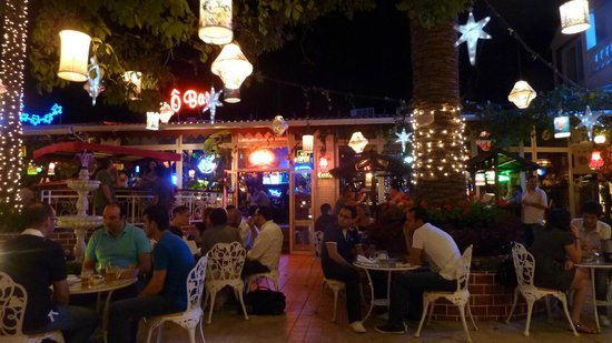 Le Plaza :                   The bar area on the left as you enter. Great for beer, wine, pizzas, salads an