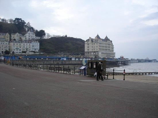 Bay Marine Hotel: Llandudno front.