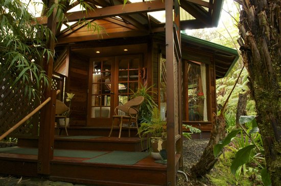Volcano Rainforest Retreat:                                     Room entrance