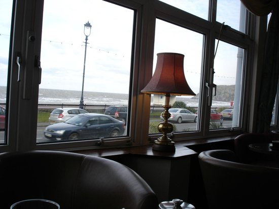 Bay Marine Hotel: view from the bar.