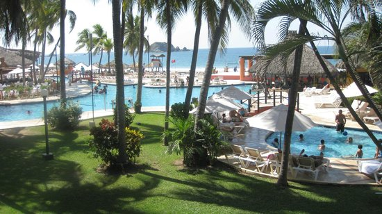Inter-Continental Presidente Ixtapa:                   Pool and Oceanview