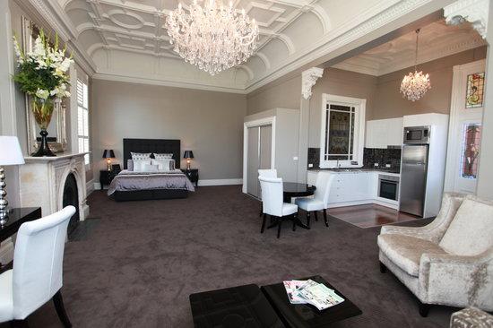 Ballarat Premier Apartments : Our magnificent signature suite