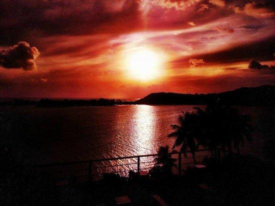 Sofitel Bora Bora Private Island:                   Sunset at lookout point