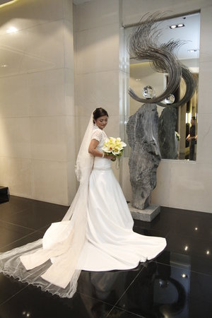 New World Manila Bay Hotel:                   bride