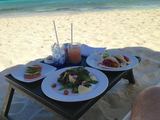 Viceroy Riviera Maya:                                     lunch on the beach