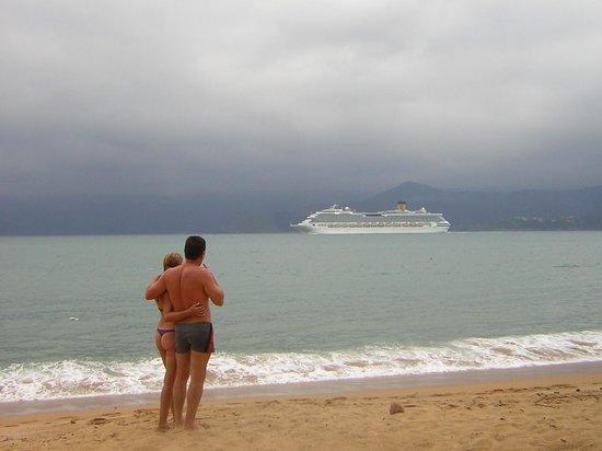 Hotel Praia do Portinho:                   Playa Grande Crucero