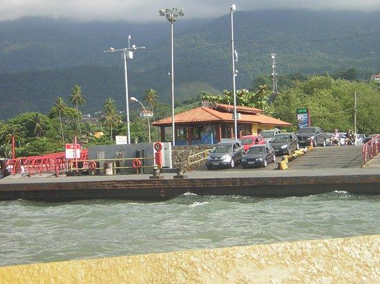 Hotel Praia do Portinho:                   Ferry llegando a la isla