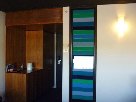 Jasper Hotel:                   部屋 ティーポットあり 7階はブルーのイメージ