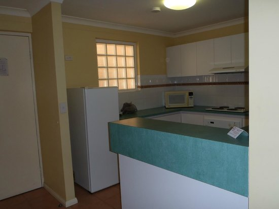 Hillarys Harbour Resort:                                     Self-contained kitchen: fridge, stove, microwave, dishwasher