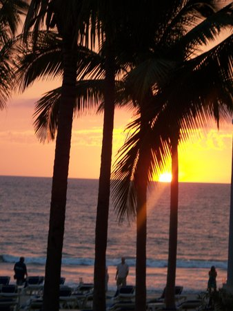 Hotel Riu Vallarta:                   Another beautiful sunset
