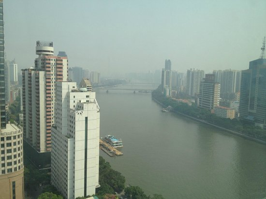 Landmark Canton Hotel: Pearl River Noon View