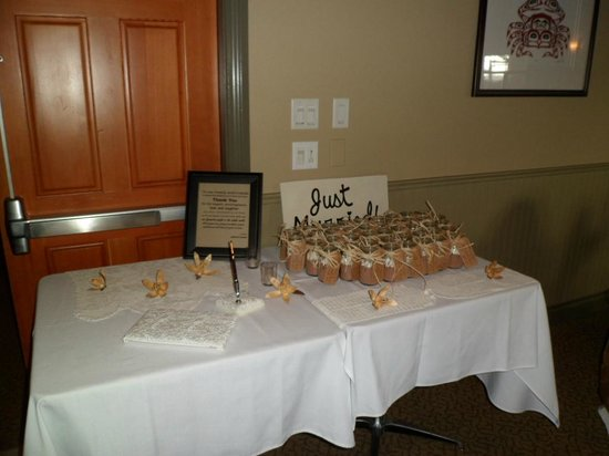 Long Beach Lodge Resort: wedding set up..