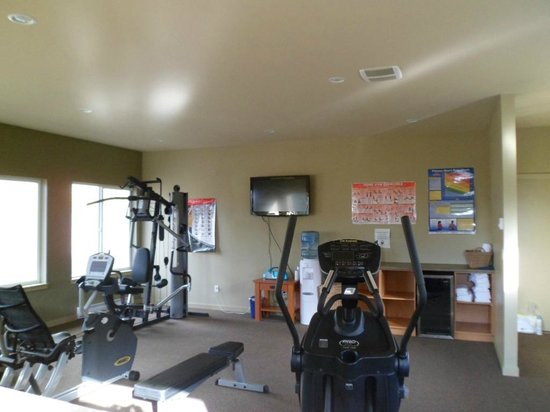 Long Beach Lodge Resort: exercise room in Surf Club