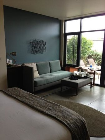 بارديسونو:                   living room                 