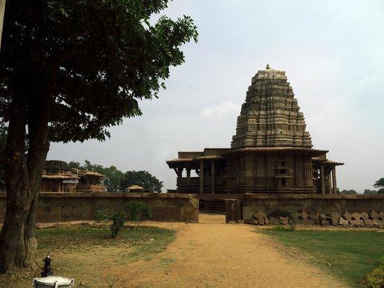 Warangal, Ấn Độ:                                     Ramappa Temple as it looks now