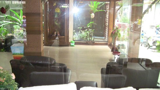 Raintree Spa:                                     indoors