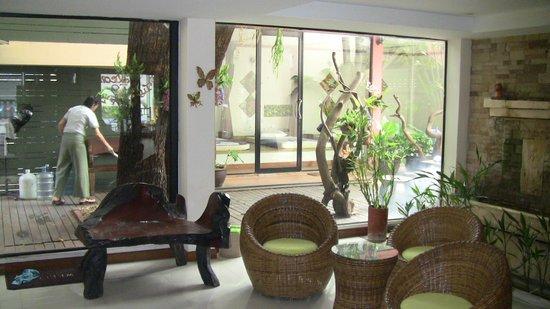 Raintree Spa:                                     lobby