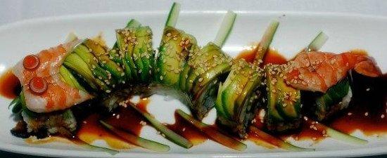 Dominical Sushi: Dragon rolls