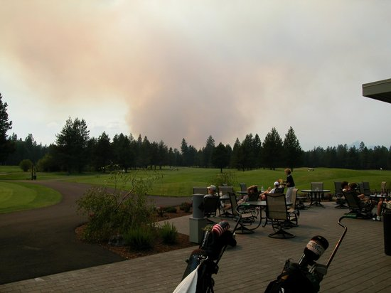 The Lodge Restaurant at Black Butte Ranch : Forest Fire over Black Butte Ranch Golf Course