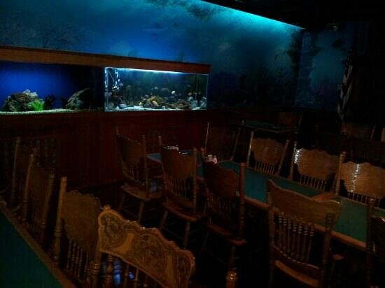The Fresh Fish Company:                                     inside decor