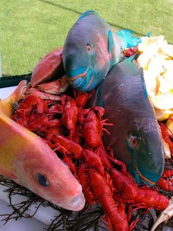 The Lodge Restaurant at Black Butte Ranch : Fish Display Seafood Feast at Golf Event