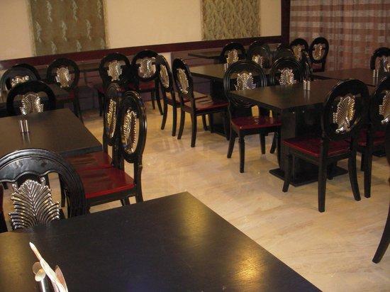 B cube:                                     restaurant photo