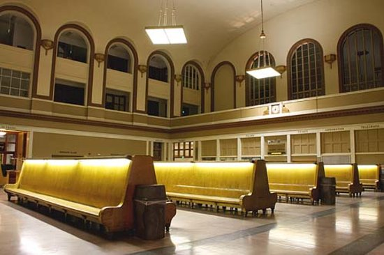 Union Station:                   Old time benches