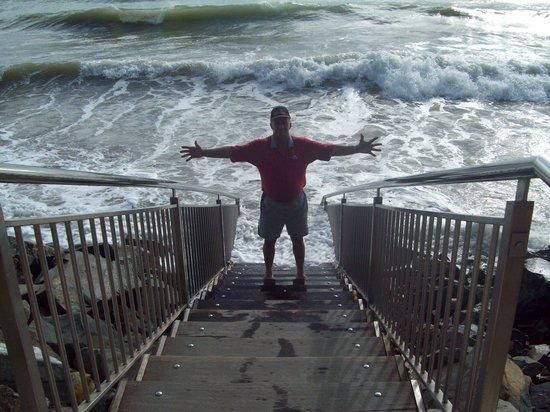 Mackay Blacks Beach Holiday Park:                   steps to the beach
