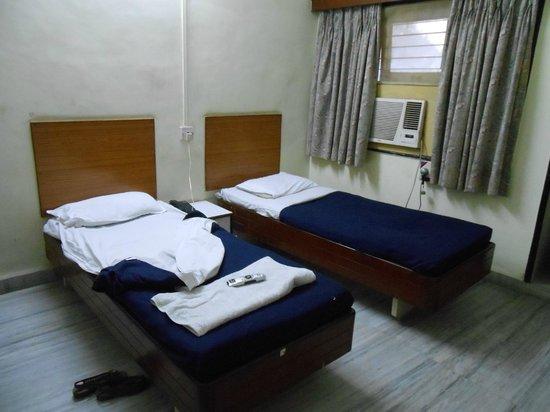 Hotel Shree Maya:                   AC Double Room