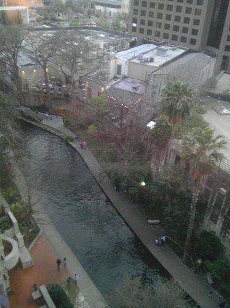 Holiday Inn San Antonio Riverwalk:                   View to the Riverwalk