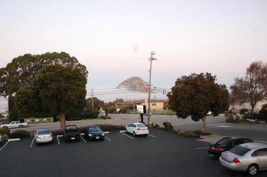 Morro Bay Sandpiper Inn:                   Blick morgens aus dem Fester