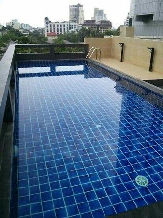 iCheck inn Residences Sukhumvit 20:                                     수영장  사용하는사람없음