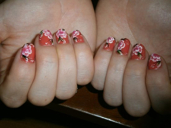 ONE Day Spa & Beauty Salon:                   manicure with nail art