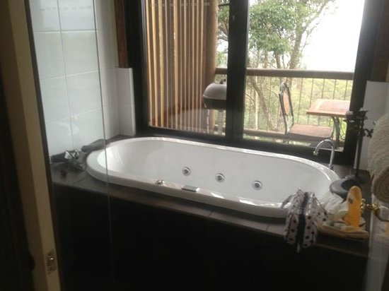 At Remingtons Lodge & Private Cottages:                   The Bath