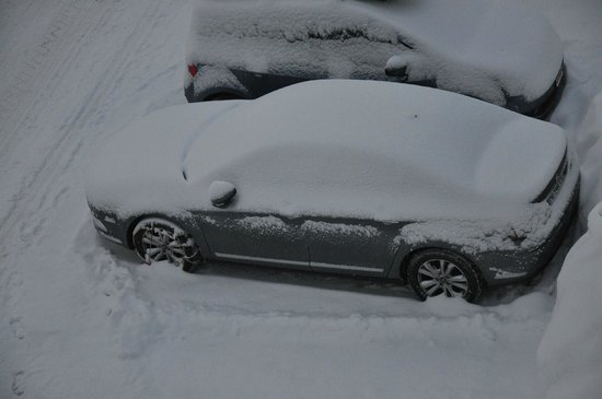 Hotel Hahnenblick:                   Our car after a one night snow