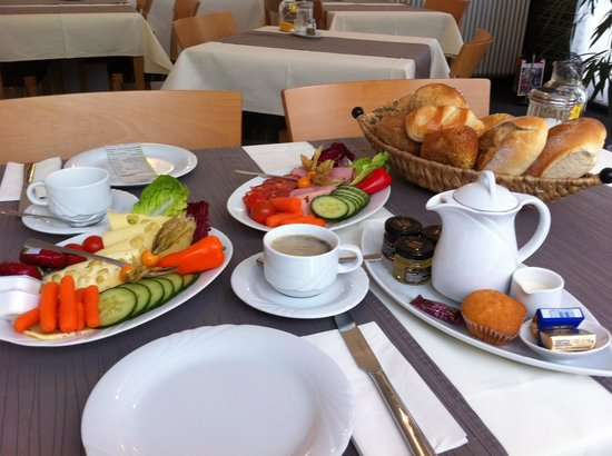 Hotel Heymann:                   Breakfast
